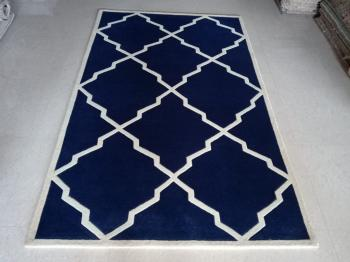 Blue-White Moroccan Clover Rug Manufacturers in Karnataka