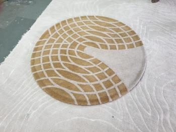 Brown-White Round Rug Manufacturers in Jharkhand