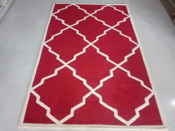 Red-White Moroccan Clover Rug Manufacturers in Bishnupur
