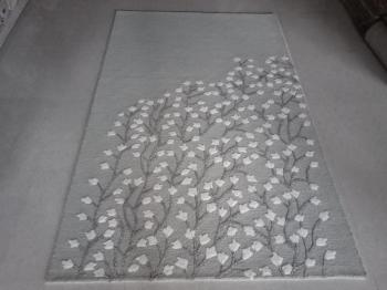 Simple White Floral Area Rug Manufacturers in Kochi