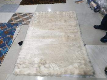 White Fur Bedroom Carpet Manufacturers in Rajasthan